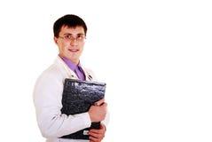 Doktor mit Stethoskop und Klemmbrett. stockfoto