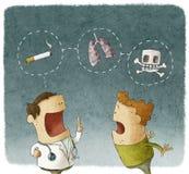 Doktor som förklarar till tålmodiga risker av att röka Arkivbild