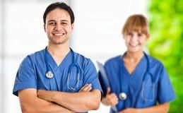 Doktor und Krankenschwester Stockfotos