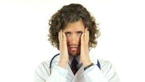 Doktor Uneasy Sad, Kopfschmerzen, Schmerz stock video