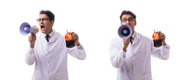 Doktorn i begrepp för bloddonation som isoleras på vit arkivbild