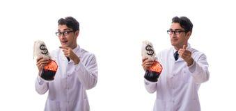 Doktorn i begrepp för bloddonation som isoleras på vit fotografering för bildbyråer