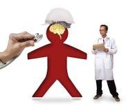 Doktorn som kontrollerar den bärande säkerhetshjälmen för den mänskliga symbolen, skyddar smart b Royaltyfri Fotografi