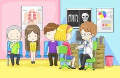 Doktorn undersöker gruppen av barn med stetoskopet Arkivbild