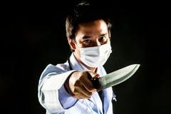 Doktorski seryjny zabójca psychozy chwyta nóż obrazy royalty free