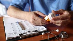 Doktorskie writing pacjenta notatki na badaniu medycznym zbiory