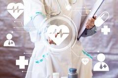 Doktorskiego dosunięcie guzika kierowego pulsu opieki zdrowotnej wirtualna sieć Obraz Stock