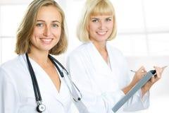 doktorssjuksköterska royaltyfria foton