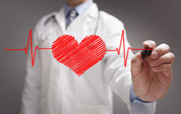 Doktorzeichnung ecg Herzschlagdiagramm stockfotos