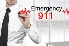Doktorzeichnung heartbeatline Notfall 911 Stockfoto