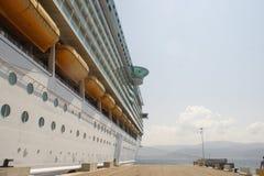 Dokujący statek wycieczkowy Zdjęcie Royalty Free