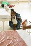 Dokumentär ledare Pondicherry Jipmer sjukhus, Indien - Juni 1 2014 Full dokumentär om patient och deras familj Documeta Royaltyfri Bild