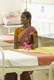 Dokumentär ledare Pondicherry Jipmer sjukhus, Indien - Juni 1 2014 Full dokumentär om patient och deras familj Documeta Royaltyfria Bilder
