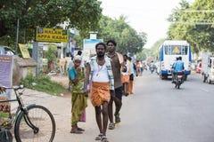 Dokumentär redaktörs- bild Oidentifierade kristen, katolikfolk går från Chennai, Madras till Velanganni, Velankanni för pil arkivfoton