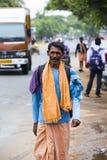 Dokumentär redaktörs- bild Oidentifierade kristen, katolikfolk går från Chennai, Madras till Velanganni, Velankanni för pil royaltyfri fotografi