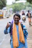 Dokumentär redaktörs- bild Oidentifierade kristen, katolikfolk går från Chennai, Madras till Velanganni, Velankanni för pil arkivfoto