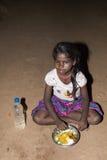 Dokumentalny redakcyjny wizerunek, ubóstwo w ulicznym India fotografia royalty free