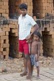Dokumentarischer redaktioneller Handstrichziegel in Indien Stockfotos