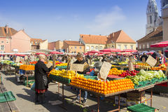 Dolacmarkt in Zagreb royalty-vrije stock afbeeldingen