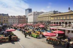 Dolacmarkt in Zagreb stock afbeelding