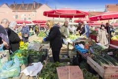 Dolacmarkt in Zagreb stock foto's