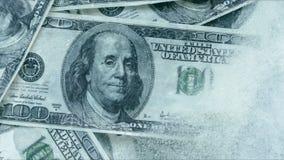 100 dolarów marznących topią zbiory