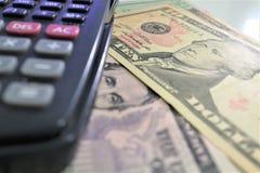 Dolar, waluta, waluta, wymiana, kalkulator, finanse deponuje pieniądze, pieniężny, gospodarka, Zdjęcie Royalty Free