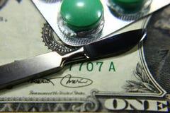 Dolar, wydatek na zdrowie lub pomoc finansowa, Fotografia Royalty Free