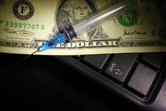 Dolar, wydatek na zdrowie lub pomoc finansowa, wysoki koszt drogi leka pojęcie obraz royalty free
