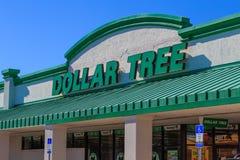 Dolarowy Drzewny Dyskontowego sklepu znak Zdjęcia Royalty Free