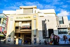 Dolbyteatern (aka den Kodak teatern) är hemmet av Oscar (aka Oscars) som sett i Los Angeles arkivbild