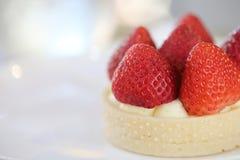 Dolce acido del formaggio della fragola, dessert fotografie stock