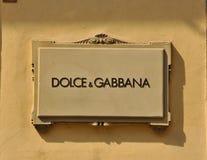 Dolce&Gabbana Zeichen in Florenz stockbilder