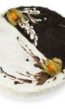Dolce casalingo decorato con glassare in bianco e nero Fotografia Stock