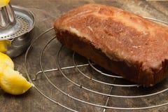 Dolce casalingo di raffreddamento dell'acquerugiola del limone fotografia stock