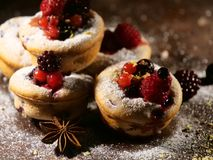 Dolce con i frutti dei bluberries Immagine Stock