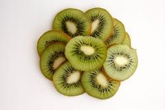 Dolce con il kiwi in un taglio immagine stock
