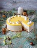 Dolce con la crema dell'ananas Fotografia Stock
