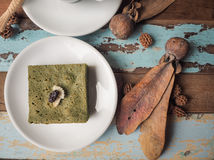 Dolce del brownie del tè verde di Matcha Fotografie Stock