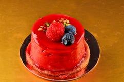 Dolce del caramello, dessert della mousse su un piatto fotografia stock libera da diritti
