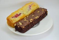 Dolce del mirtillo e dolce del chocolateb fotografie stock libere da diritti
