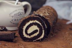 Dolce del rotolo del caramello e del cioccolato Fotografia Stock Libera da Diritti