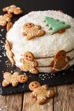 Dolce delizioso e bello dello zenzero di Natale con la crema del formaggio Immagine Stock Libera da Diritti