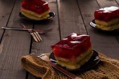 Dolce della gelatina su una tavola di legno Fotografia Stock