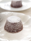Dolce della lava del cioccolato fondente con i peperoncini rossi Immagine Stock Libera da Diritti