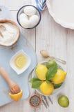 Dolce della lavanda del limone immagini stock libere da diritti