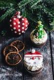 Dolce della tazza di Santa Claus Fotografie Stock