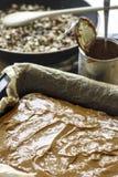 Dolce di cioccolato con caramella Fotografia Stock