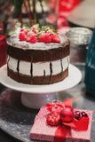 Dolce di cioccolato delizioso del lampone della fragola al festiv dell'alimento Fotografie Stock Libere da Diritti
