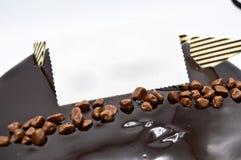Dolce di cioccolato delizioso per il compleanno e le celebrazioni fotografie stock libere da diritti